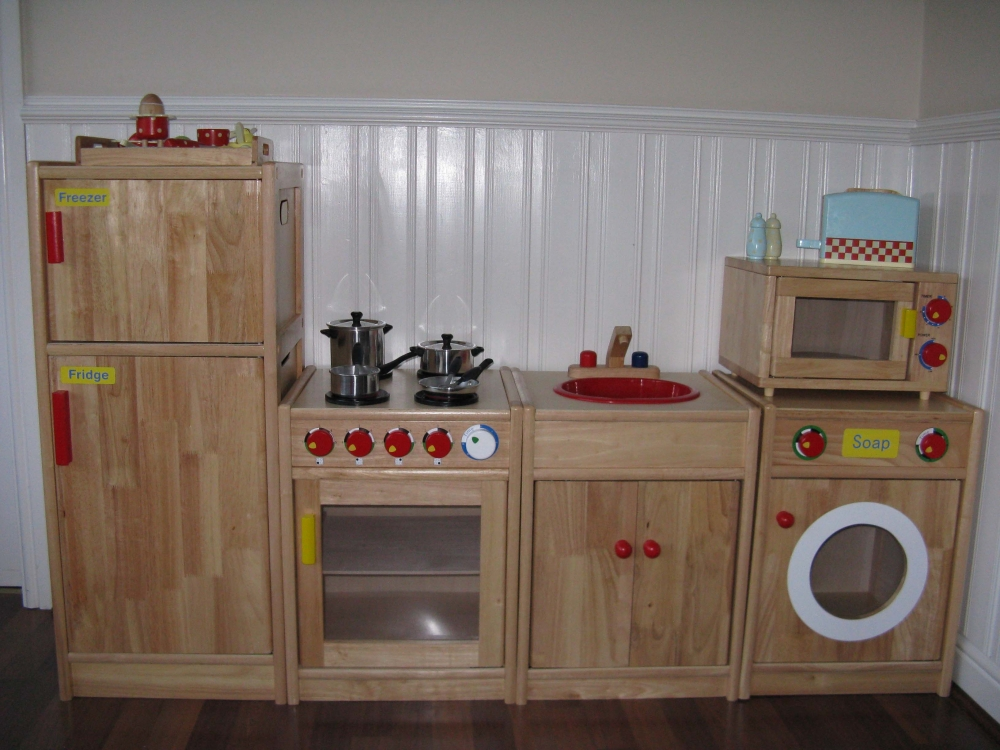 Play kitchen white kitchen designs for Play kitchen designs