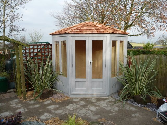 SEAGRASS GAZEBO SUMMERHOUSE