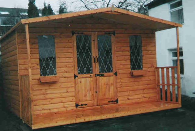 KINGFISHER SUMMERHOUSE WITH VERANDA
