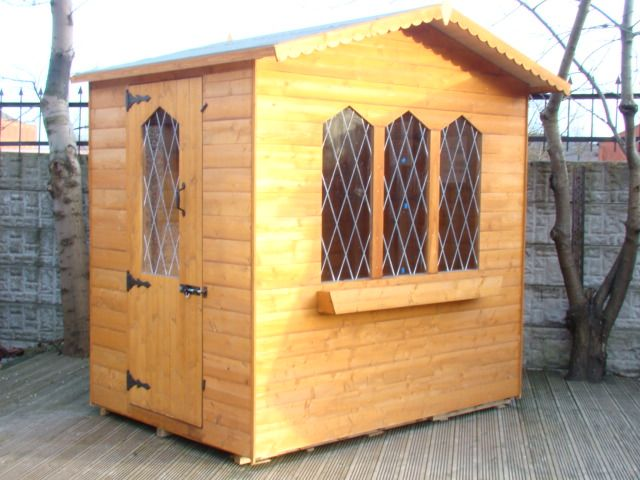 SWALLOW SUMMERHOUSE WITH SINGLE DOOR