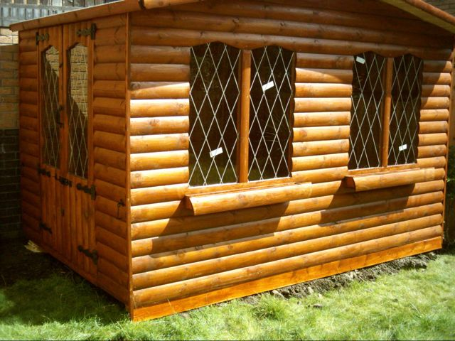 LOG SWALLOW SUMMERHOUSE