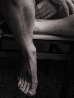 male masseur legs