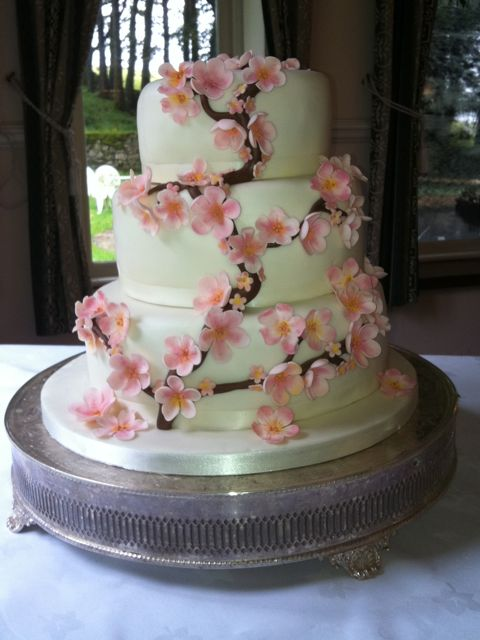 fake wedding cake hire uk wedding cakes flourish 14120